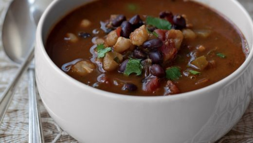 Prepara una rica sopa de frijoles negros