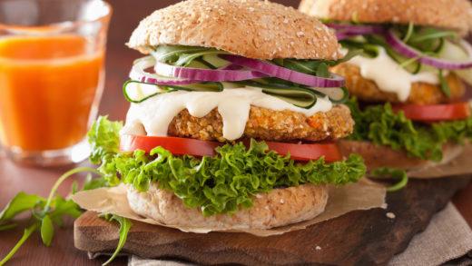 Prepara unas saludables hamburguesas de atún en conserva