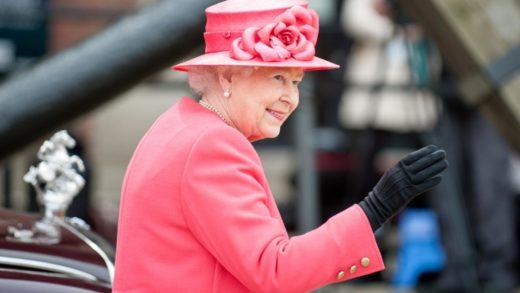 Por esta razón la reina Isabel II siempre usa sombrero