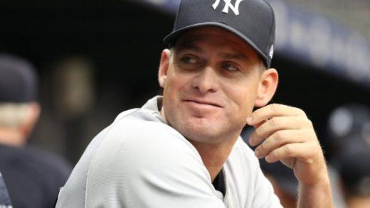 Carlos Mendoza se convertirá en el primer coach venezolano de los Yankees