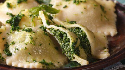 Prepara unos deliciosos ravioles rellenos de espinacas