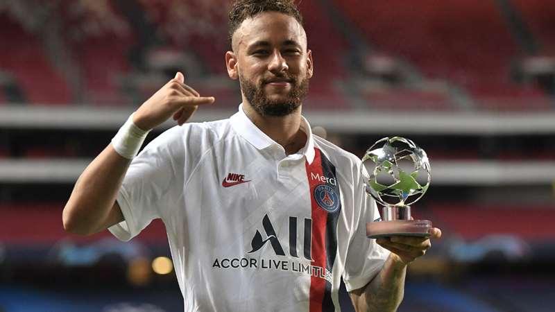 Una tienda del Olympique de Marsella usa como felpudo la camiseta de Neymar del PSG (+Video)