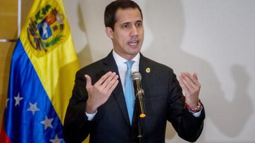 Guaidó ordena investigar la deportación de migrantes venezolanos desde Trinidad y Tobago