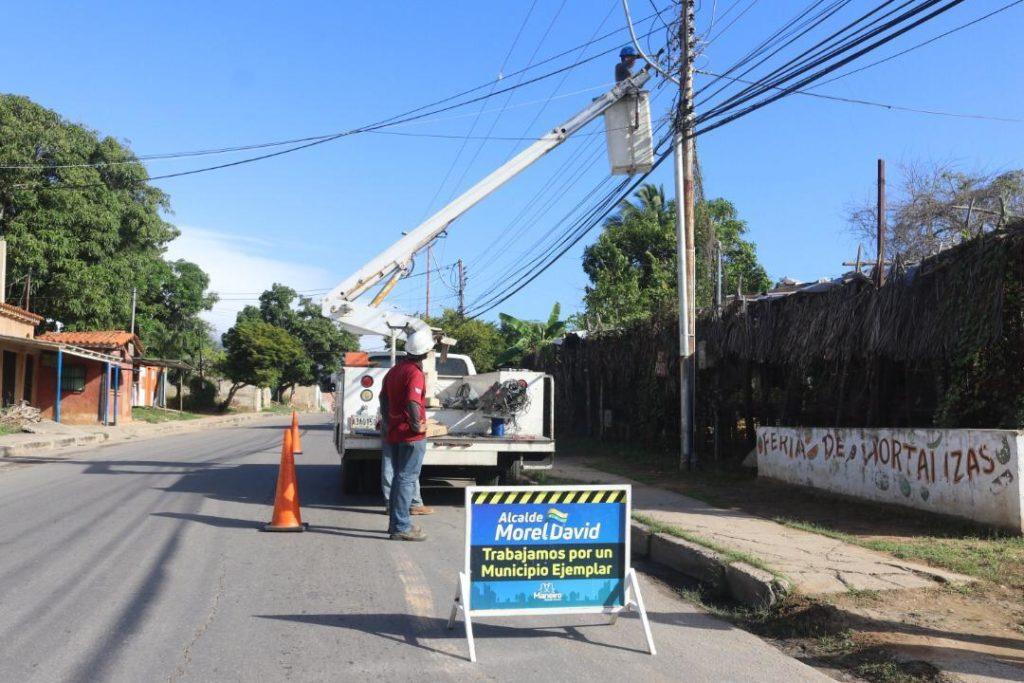 Plan Maneiro es Luz rehabilita alumbrado público de la Calle Luisa Cáceres de Arismendi
