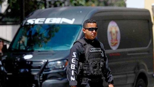 Denuncian que el Sebin allanó la casa de los padres de Roberto Patiño en Caracas