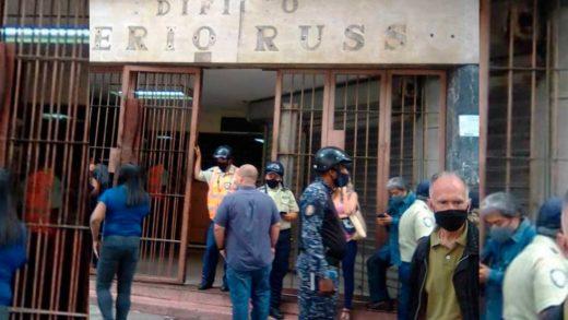 Desalojan a los invasores del edificio Saverio Russo en Caracas (+Video)