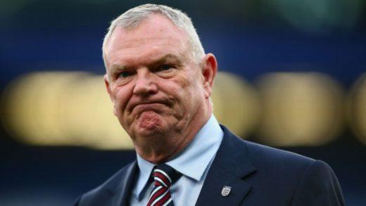 Renuncia el vicepresidente de la FIFA, Greg Clarke