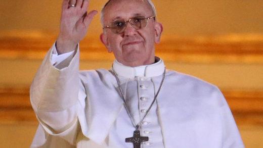 Papa Francisco no presidirá la misa de fin de año por una dolorosa ciática