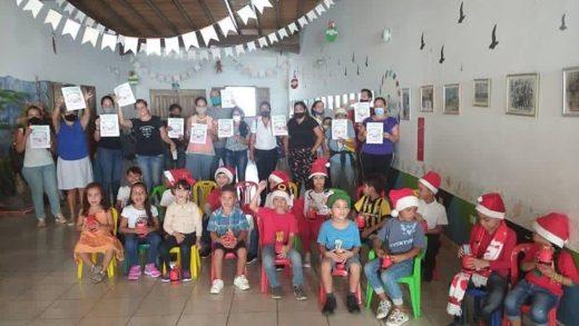 Dirección de Educación de Maneiro entregó más de 8oo cuadernillos correspondiente a diciembre