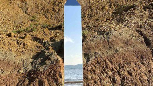 ¡Insólito! Un nuevo monolito aparece en una playa de Inglaterra