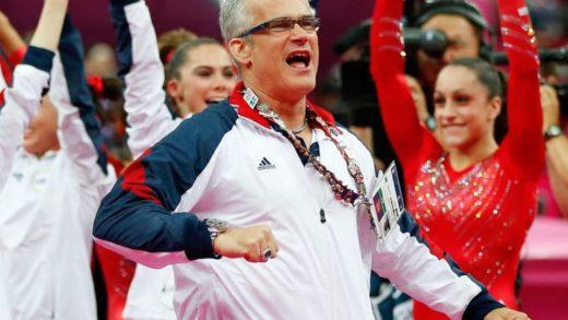 Exentrenador olímpico John Geddert se suicida tras ser acusado de agresión sexual