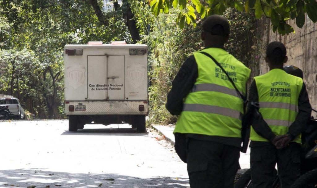 Afirman que fallecidos por COVID-19 son trasladados en un camión hasta la morgue de Bello Monte