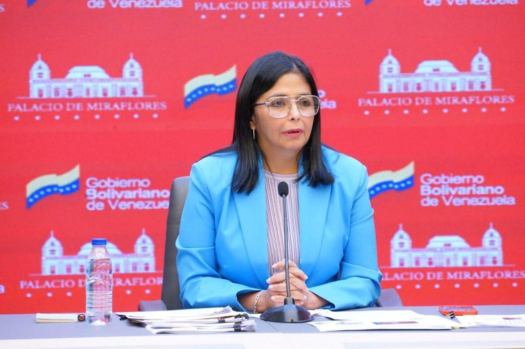 Delcy Rodríguez pide al MP investigar a Guaidó por impedir compra de vacunas