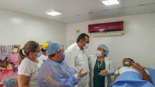 Alcalde de Mariño entregó tratamientos médicos por Bs. 2 mil 300 millones
