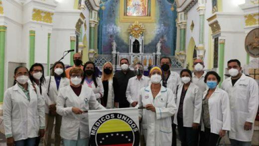 Realizan misa de «Las batas blancas» en la Virgen del Valle en honor a los médicos caídos