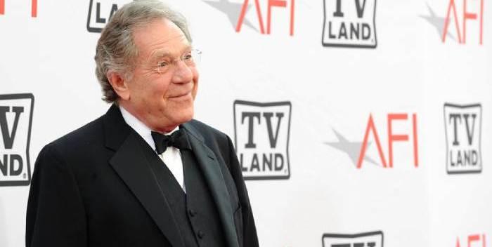 Estrella de Hollywood George Segal fallece a los 87 años