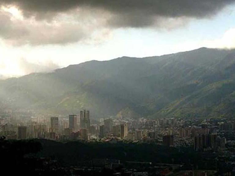 Prevén cielo encapotado y lluvias dispersas en el país este #29Mar