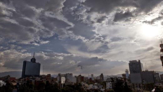 Prevén cielo parcialmente nublado con baja probabilidad de lluvias en el país