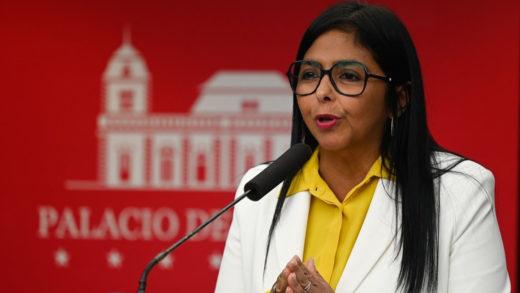 Delcy Rodríguez pide alianzas de las naciones para inmunizar a la población