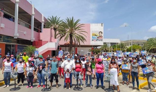 Alcalde de Mariño entregó enseres domésticos por Bs. 3 mil 700 millones