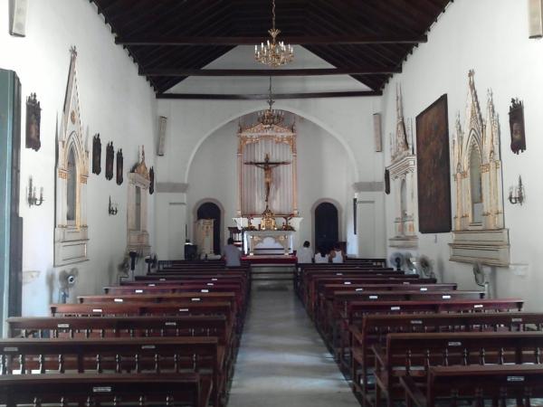 Alcaldía de Maneiro realizó mantenimiento a la Iglesia del Cristo del Buen Viaje