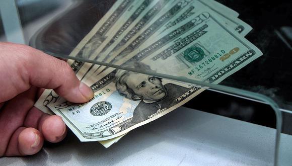 Precio del dólar se incrementó un 1.490% en el último año