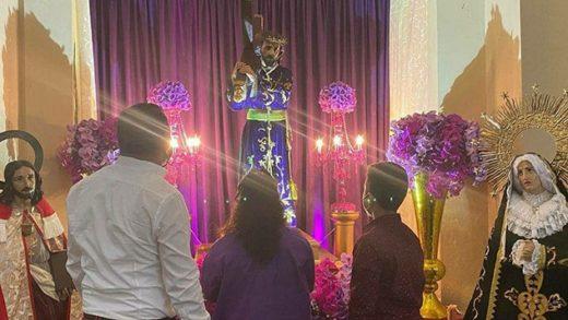 Gobernador Alfredo Díaz asistió a la iglesia San Nicolás de Bari a honrar su promesa