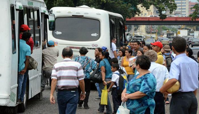 Transportistas realizarán protestas por limitaciones para acceder al combustible