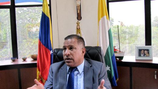 Alfredo Díaz insta al gobierno de Maduro a agilizar la vacunación en Nueva Esparta
