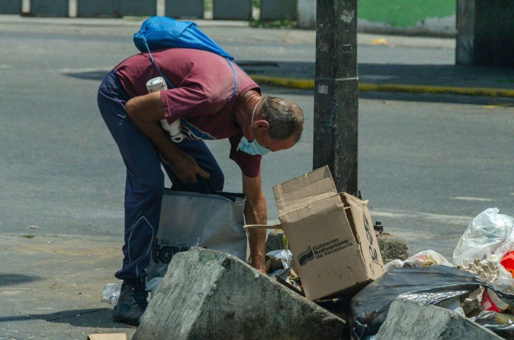FMI advierte que Venezuela será el país más pobre de América al terminar el 2021
