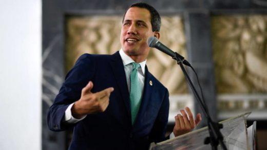 """Guaidó: """"¿Quién en el régimen va a responder por los ocho militares venezolanos prisioneros?"""""""