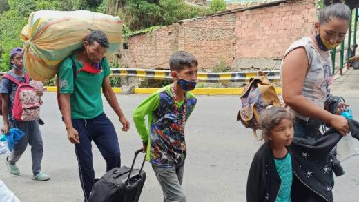 Así es el retorno de los venezolanos por la frontera con Brasil