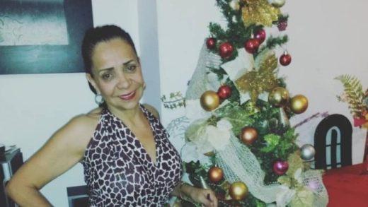 Muere una mujer dentro de su casa por una bala perdida durante tiroteo en La Vega
