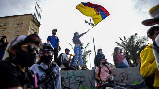 Colombia pide diálogo para poner fin a la violencia tras nueve días de protestas