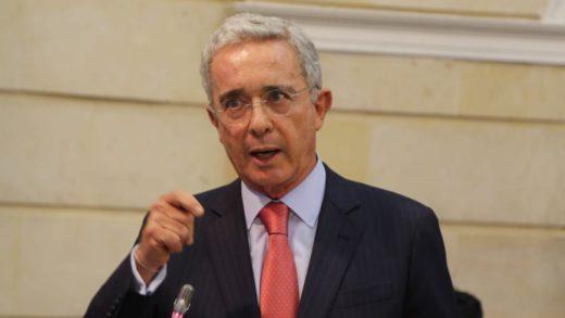 Álvaro Uribe desmintió haber exigido la renuncia del presidente Iván Duque