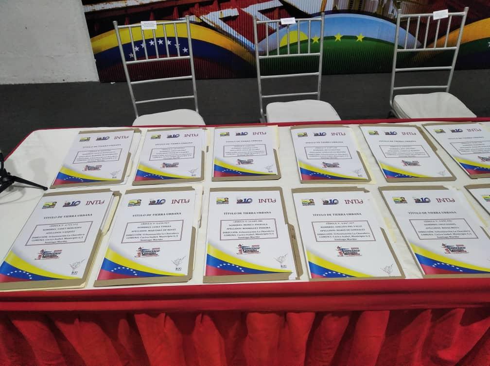 Al menos 27 familias recibieron títulos de propiedad de sus tierras en Mariño