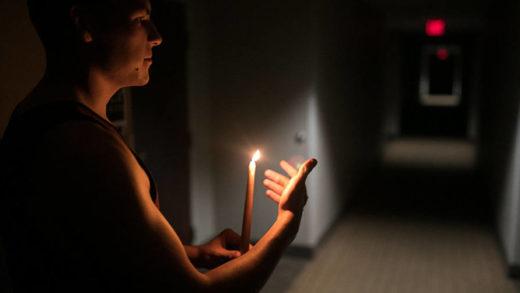 Reportan que varios sectores de La Guaira se encuentran sin electricidad este #12May