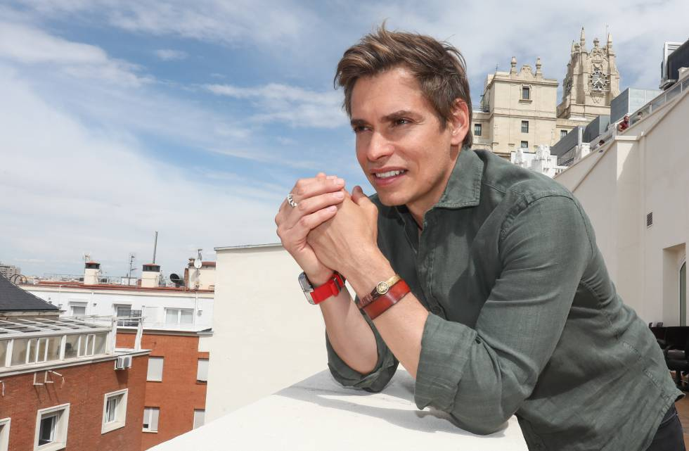Cantante venezolano Carlos Baute confirma que dio positivo para COVID-19