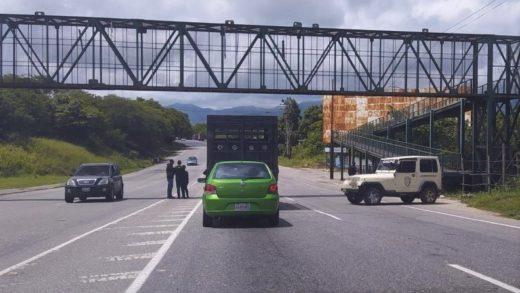 """Hombre se salva de ser secuestrado en Ocumare del Tuy durante la """"compra"""" de un vehículo"""