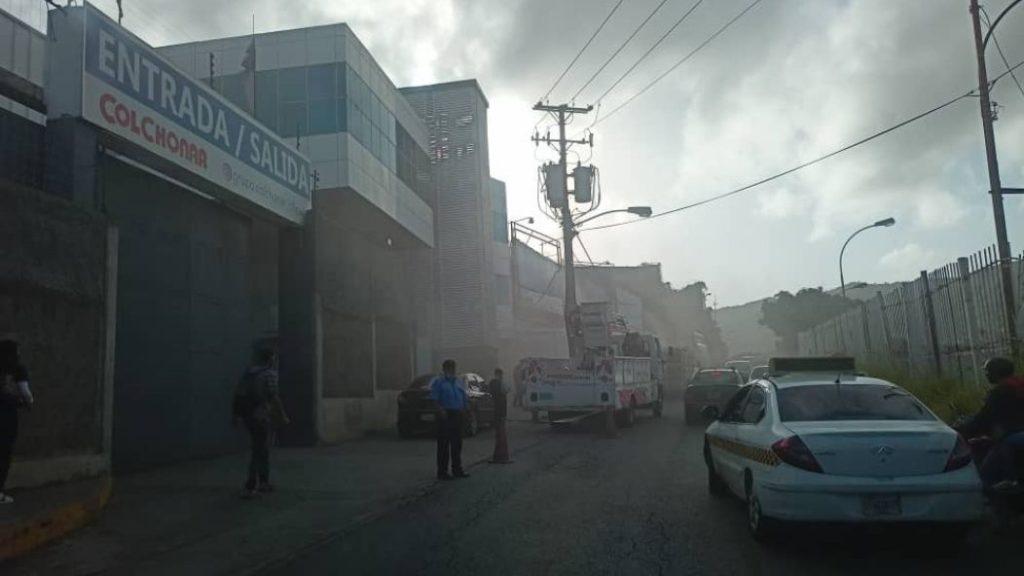 Registran incendio en mueblería de La Yaguara este #21Jul