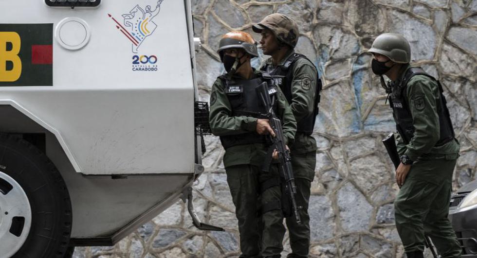 Dos policías fallecen durante enfrentamiento con delincuentes en El Valle y El Cementerio