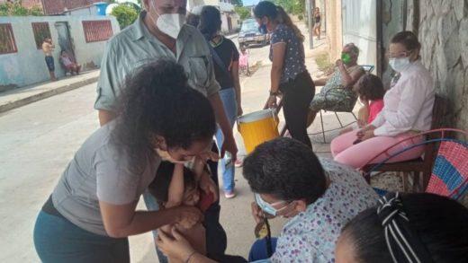 Al menos 100 niños en La Chacalera fueron desparasitados