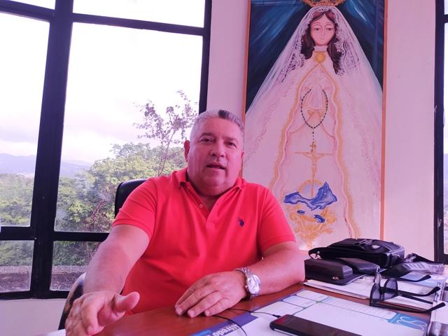 Gobernador Alfredo Díaz cumple con jornada de recolección de firmas para las primarias opositoras