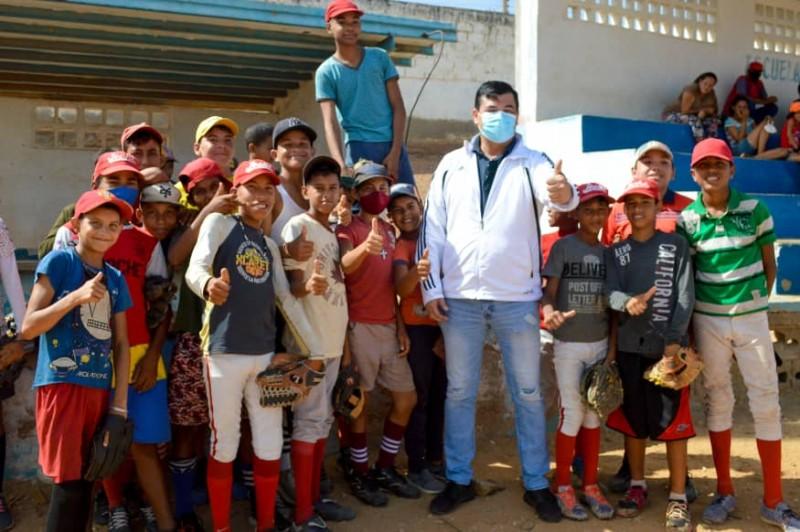 José Antonio González abrirá canchas y estadios para internacionalizar el deporte en Mariño