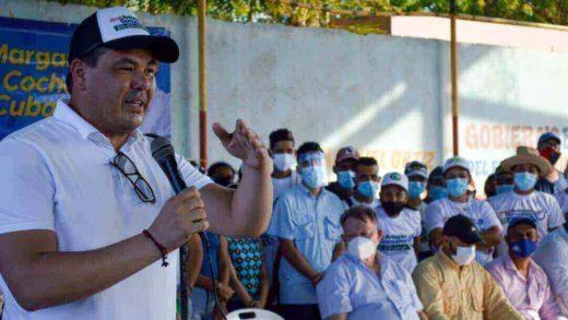 José Antonio González plantea perforación de pozos de agua en Los Cocos, Achípano y Los Delfines
