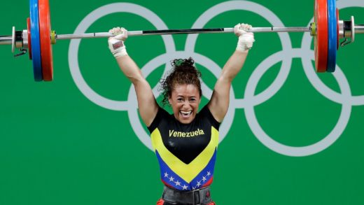 La pesista venezolana Yusleidy Figueroa termina en sexto lugar en Tokio 2020