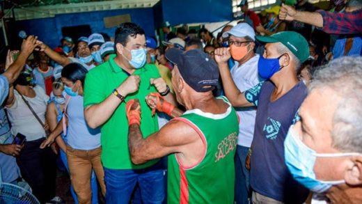 """""""El Chino"""" González ratificó su compromiso de abrir las puertas de canchas y estadios en Mariño"""