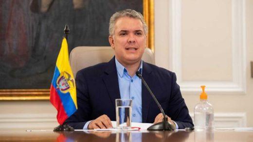 Duque pide ayuda internacional para vacunar a migrantes venezolanos en Colombia