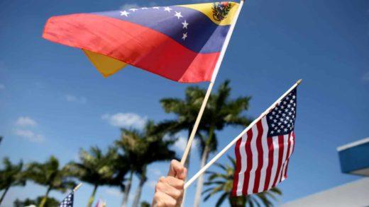 Gobierno interino insta a migrantes venezolanos en EE.UU. a aplicar al TPS