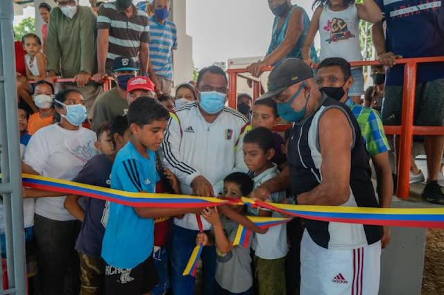 Alcalde de Mariño reinauguró Cancha de Usos Múltiples en el sector Genovés
